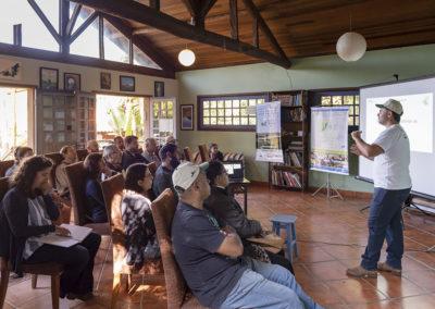 Apresentação sobre os benefícios do Manejo da Pastagem Ecológica, em Unidade Demonstrativa do Projeto, localizada em Bragança Paulista. (SP) - Crédito: Tiago Baccarin / Estúdio Garagem