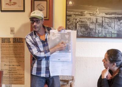 Produtor rural apresenta o planejamento da propriedade em Curso Produção Sustentável no Sistema Cantareira - Crédito: Tiago Baccarin/ Estúdio Garagem